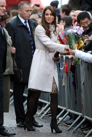 Pictures of Kate Middleton - kate middleton pregnancy style white coat.jpg