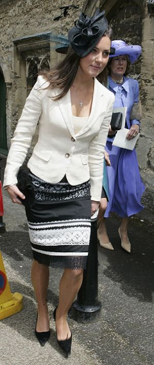 Royal photography - Photo of Kate Middleton style - white blazer.jpg