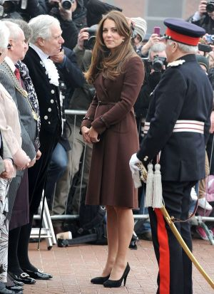 kate-middleton-pregnancy-dresses-march5 via myLusciousLife.com.jpg