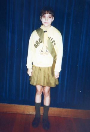 Kate Middleton as a little girl - Kate as a brownie in her uniform.jpg