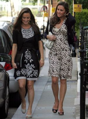 Photo gallery of Kate Middleton -Kate-Middleton with sister Pippa.jpg