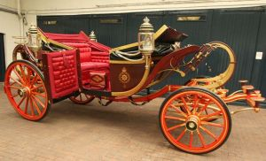Prince William and Kate Middleton will use the 1902 State Landau carriage on their wedding day if the weather is good.JPG