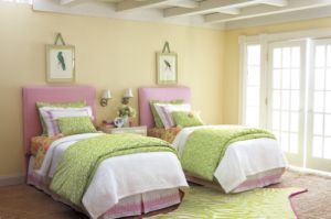 Lilly Pulitzer  print bedroom - via myLusciousLife.com.jpg