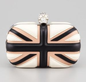 Alexander McQueen - Skull Clutch - Bone Blush Black.jpg