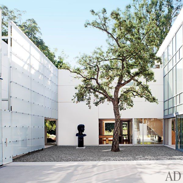 A Contemporary Los Angeles Villa by Michael Lehrer courtyard.jpg