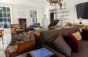 gwyneth paltrow chris martin new los angeles home - living.jpg