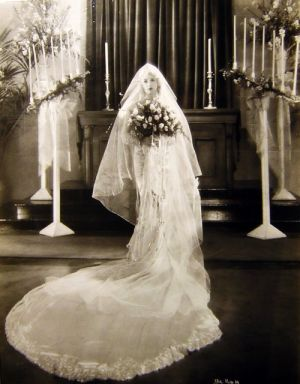 Gatsby style 1920s wedding inspiration part 1 actress betty compson in a spectacular wedding gown 1920sg junglespirit Images