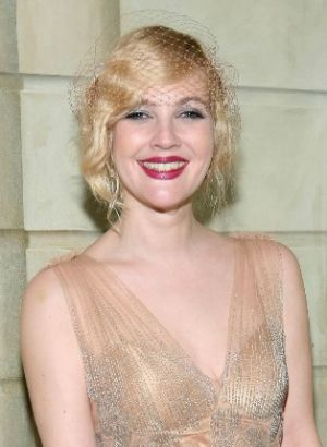 the vintage wedding - style 1920s - 1920s bridal hair - drew barrymore flapper style.jpg