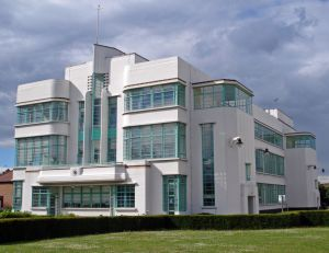 art deco architecture london Hoover_Building_Perivale.jpg