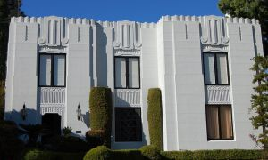 art deco architecture los angeles - art deco house in hancock park.jpg