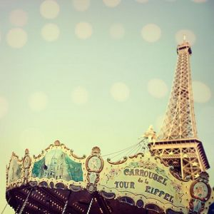Paris_Carousel_via_we_heart_it.jpg