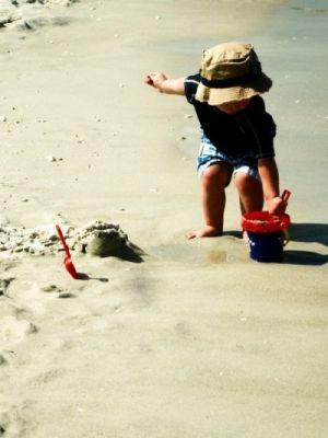sand_castle_by_pebblesdork.jpg