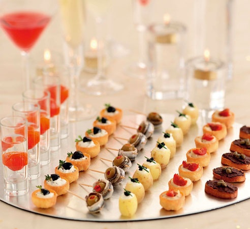 Luscious on pinterest luscious entertaining board for Cocktail canape