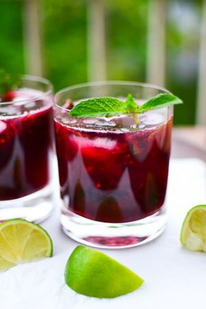 Luscious pink cocktail drinks - entertaining with style.jpg