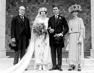 vintage 1920s wedding dresses - Historical black and white pictures - 1920s wedding.jpg