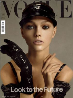 Vogue magazine covers - wah4mi0ae4yauslife.com - Vogue Italia December 2005 - Sasha.jpg