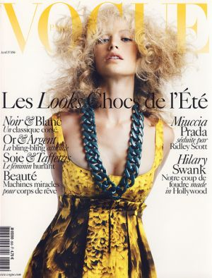 Vogue Paris April 2005 - Carolyn Murphy.jpg