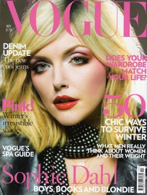 Vogue magazine covers - wah4mi0ae4yauslife.com - Vogue UK November 2007 - Sophie Dahl.jpg