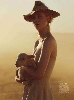 Elizabeth Debicki by Will Davidson for Vogue Australia December 2012