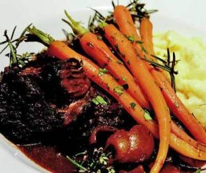 delicious food in tasmania - peppermint-bay-braised beef.jpg