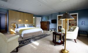 Luxury accommodation in Hobart - the Regency room-Wellington-Islington Hotel via mylusciouslife.jpg