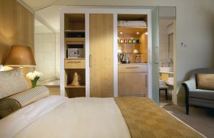 boutique hotel hobart - islington luxury hotel - attic-bed - guestroom via mylusciouslife.jpg