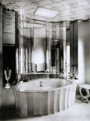 Deco bathroom design - black and white photo.jpg