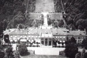 Meudon mansion - aerial view - now demolished.jpg