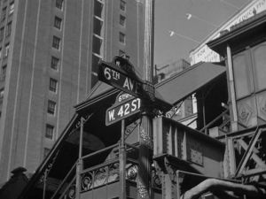 New York in black and white - 42nd street and 6th avenue.jpg
