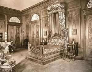 The William Salomon Mansion at 1020 Fifth Avenue bedroom.jpg