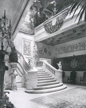 The William Salomon Mansion at 1020 Fifth Avenue staircase.jpg