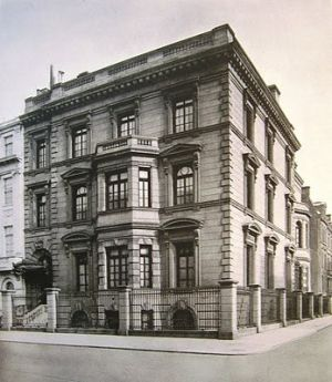 The William Salomon Mansion at 1020 Fifth Avenue.jpg