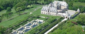 oheka Castle library - long island gatsby mansions inspiration.jpg