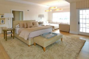 Bedroom of the new home of Jennifer Lopez purchased for 10 million.jpg