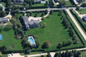 Celebrity homes - Aerial view of Jennifer Lopez - Water Mill New York.jpg