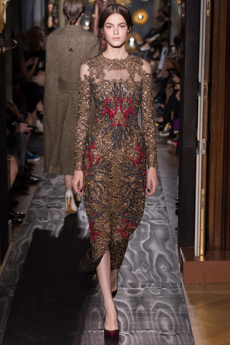 Runway valentino fall 2013 haute couture collection for Haute renaissance