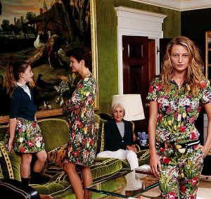 Tory Burch and photographer Tina Barney - photoshoot in Torys Apartment.jpg