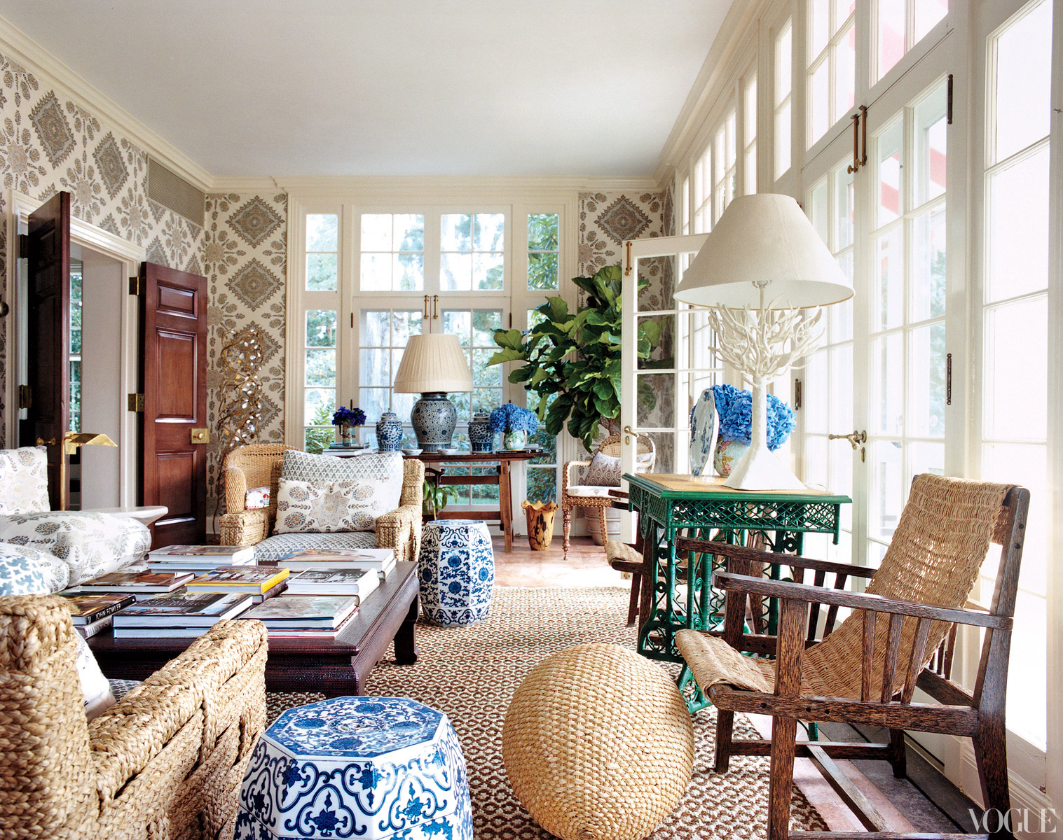 ... Tory Burch - Southampton home - living.jpg ...