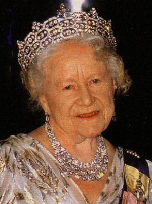 Crowns for a queen - Queen-mum-greville-neck-.jpg