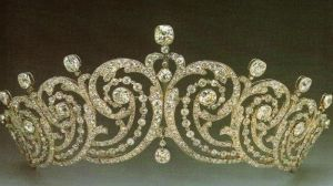 Jewels jewels - Essex Tiara Cartier 1902.JPG