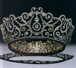 Jewels jewels - Queen Mary of Great Britain Durbar Tiara.JPG