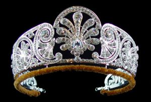 Queen-Mary-honeysuckle-diamond-tiara.jpg