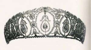 Royal crown jewels - Pendant Drop Tiara c 1910 Cartier.JPG