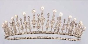 Royal crowns - Diamond and Pearl tiara.JPG
