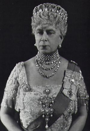 Royal jewels - QueenMary.jpg