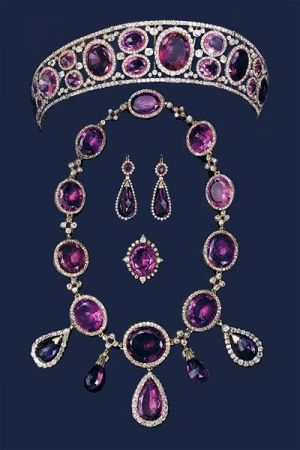 Royal tiara -amethyst QueenMary.jpg