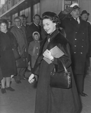 Best royal maternity style - princess margaret pregnant with lady sarah.jpg
