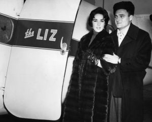 Celebrity maternity fashion - 1958-mike-todd and elizabeth taylor.jpg