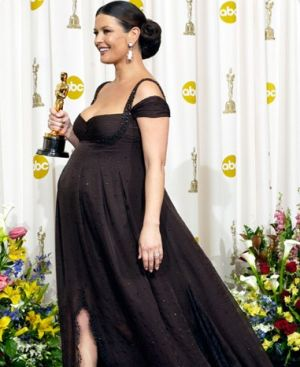 Celebrity maternity fashion - catherine zeta-jones maternity style.jpg