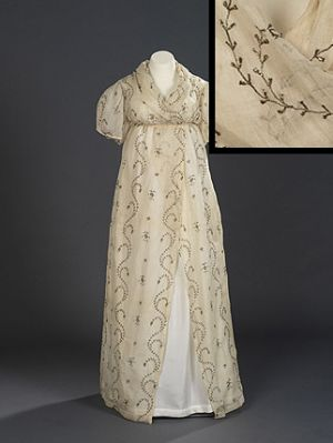 Early 19th century maternity style - dresses.jpg